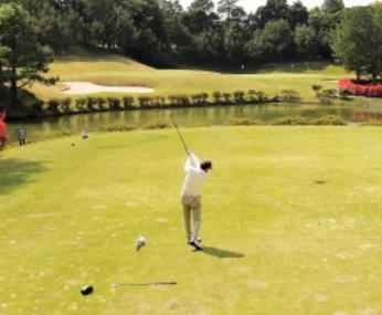 ゴルフスイング、池.PNG